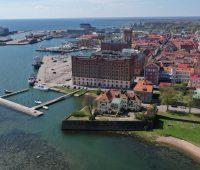 Sköna drönarbilder över delar av Kalmar med Riskvarnen